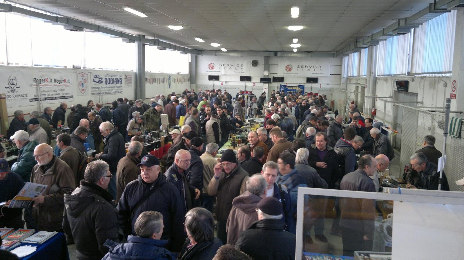 Air radiorama mercatino ari di torino for Mercatini torino oggi
