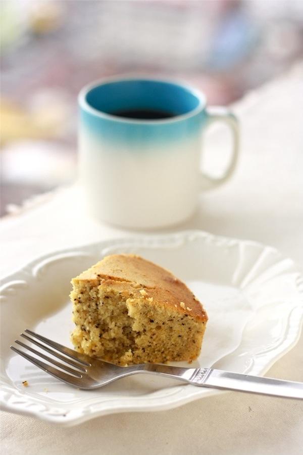 Earl Grey Vanilla Cake by SeasonWithSpice.com