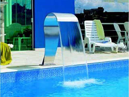 Blog piscinas planalto cascata laminar for Piscina de acrilico