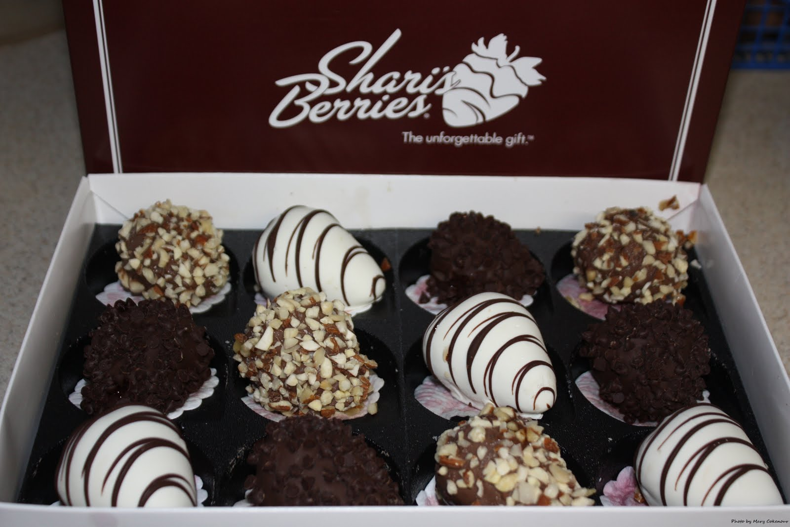 Food Adventures of a Comfort Cook: Spoil Yourself with Shari's Berries