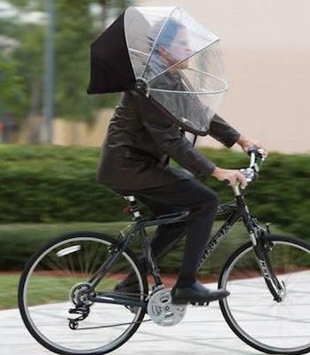 Gente-rara-cada-uno-es-cada-uno-cuando-llueve
