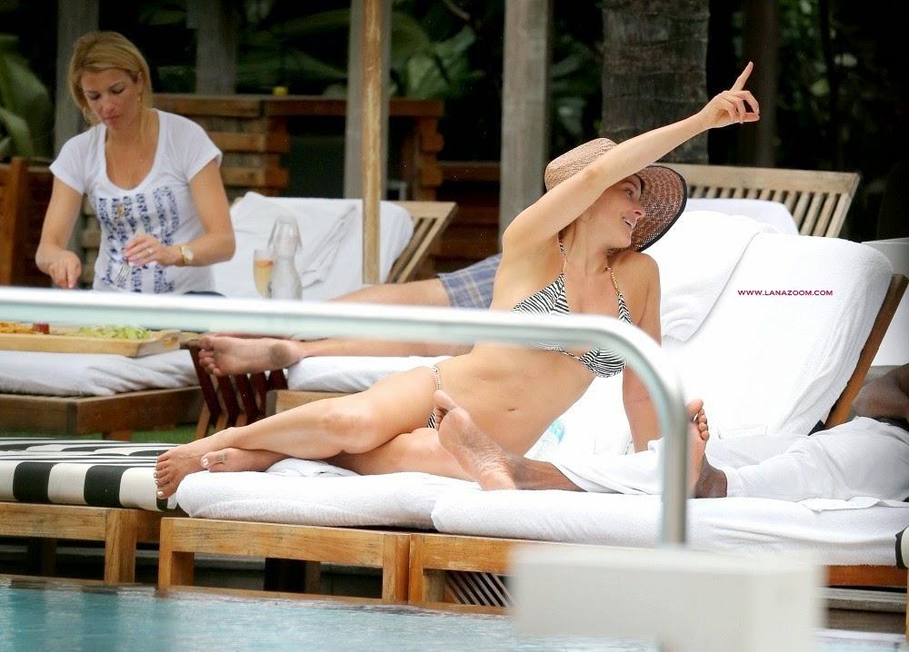 صور الممثلة الامريكية بريتاني دانيال بالبكيني وقبل ساخنة مع صديقها