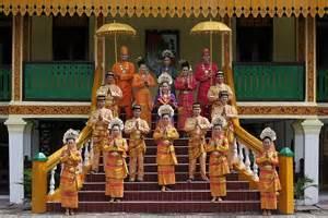 Antara Kebudayaan dan Seni di Indonesia