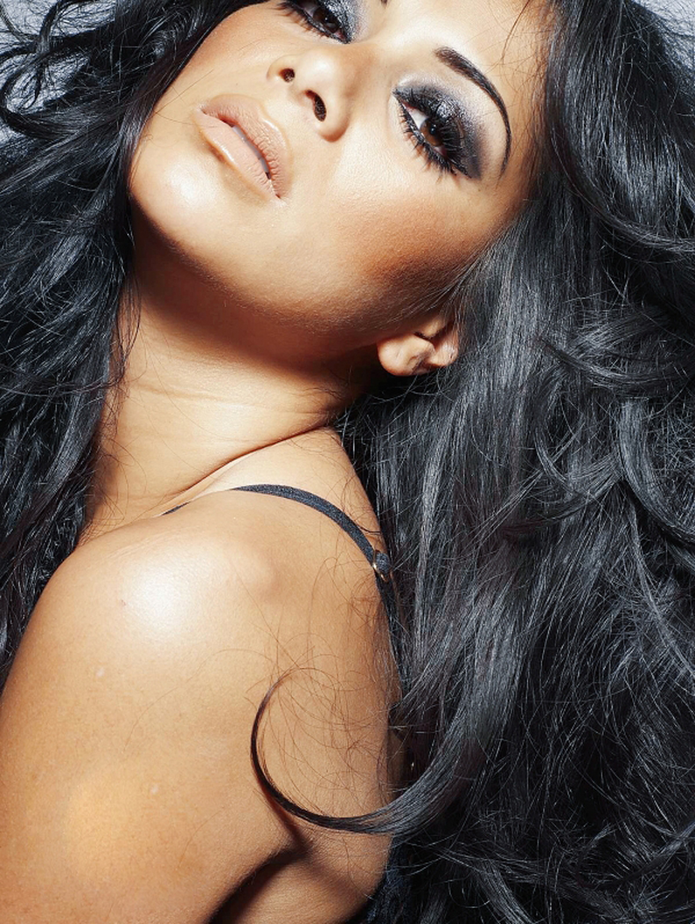 Nicole Scherzinger Long Curly Hairstyles 07
