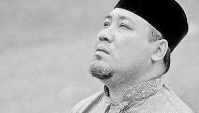 Foto Dan Biodata Penuh Yus Jambu