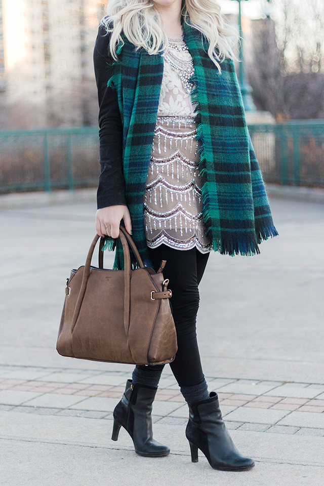 Green plaid blanket scarf with modern brown Pinkstix tote // Winter outfit inspiration