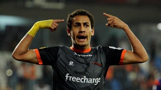 Delhi Dynamos FC retain Gustavo dos Santos