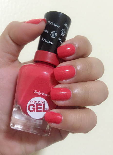 Sally Hansen Miracle Gel in Redgy
