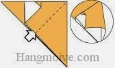 Bước 5: Từ vị trí mũi tên, mở lớp giấy trên cùng ra, kéo và gấp tờ giấy về phía bên phải.