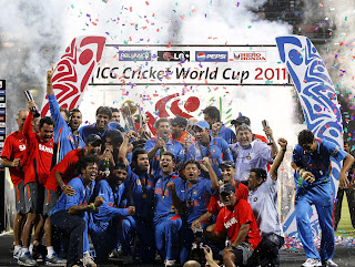 The Champions celebrate with the ICC World Cup trophy, India vs Sri Lanka, The Final, ICC Cricket World Cup 2011, Mumbai, April 2, 2011