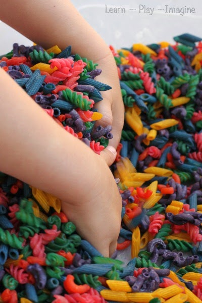 Gorgeous rainbow pasta.  I love this quick and easy method for dyeing pasta!