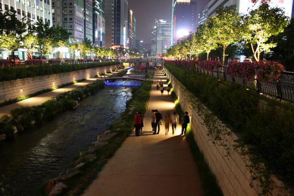 Sungai Cheonggyecheon (seoul), Sungai Bersih Ini Dulunya Kumuh Dan Kotor [ www.BlogApaAja.com ]