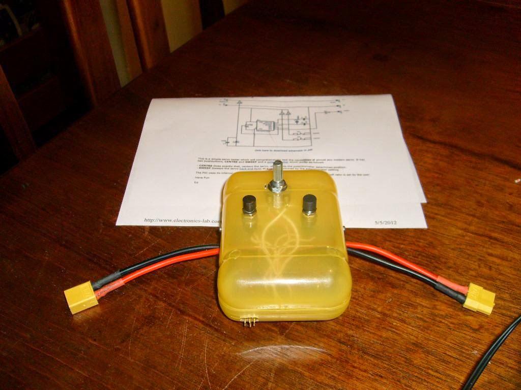 Aerohobbydicas Simple Servo Tester Circuit 12f675 Based Brushed Motor Esc R2 10k R3 82r R4 R5 5k Potencimetro C1 27pf C2 C3 100nf D1 47 V Diodo Zener Q1 10mhz Crytal Ic1 Pic12f675