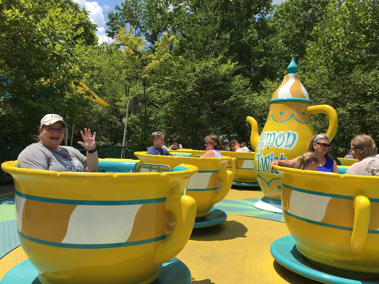 Dollywood Teacup ride, TN 2017