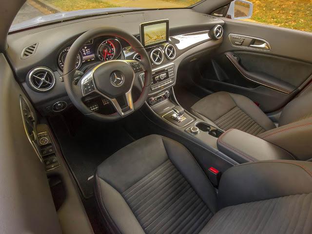 Mercedes CLA 45 AMG - interior