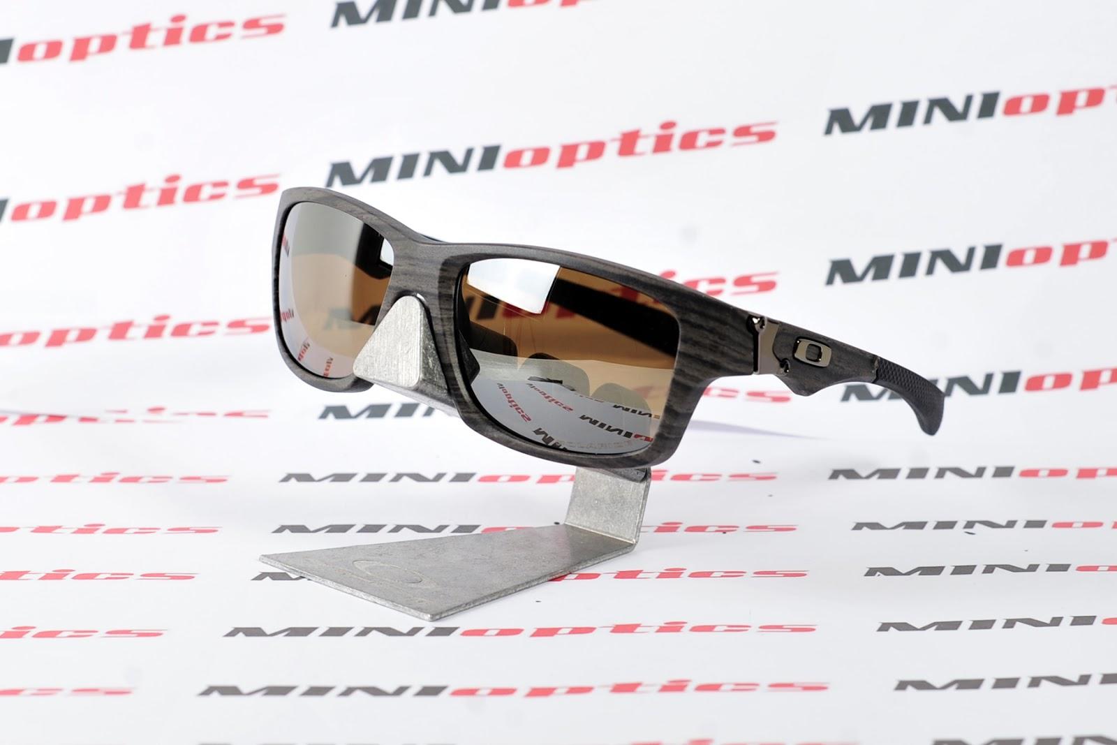 oakley jupiter squared polarized lenses sdxv  oakley wood grain jupiter squared