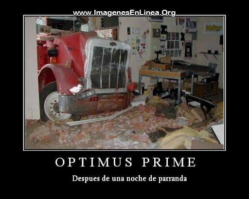 Optimus Prime despues de una noche de parranda
