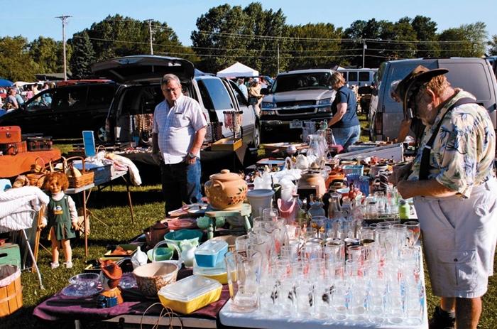 67d972239ab Flea Market nos Estados Unidos - Dias atuais (Foto  Reprodução)