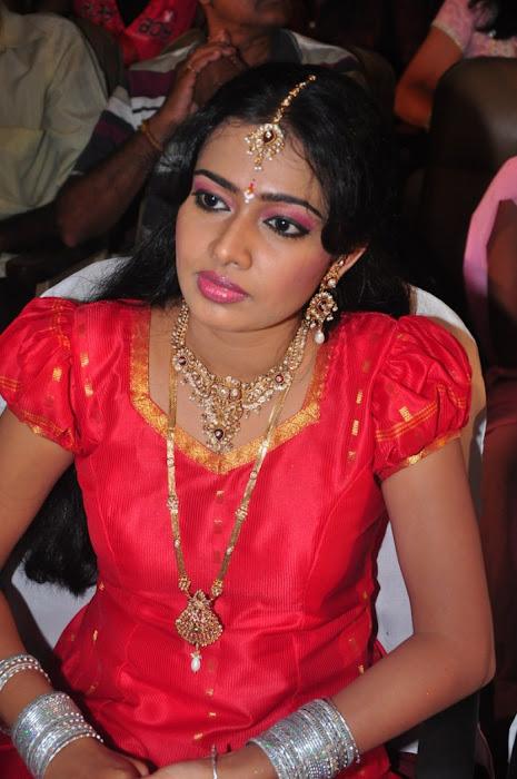 divya vishwanath @ puli vesham audio launch actress pics