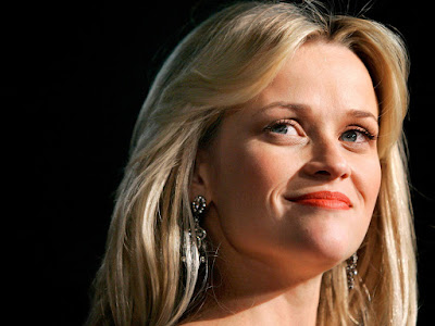 Hollywood Film Producer Reese Witherspoon Wallpaper