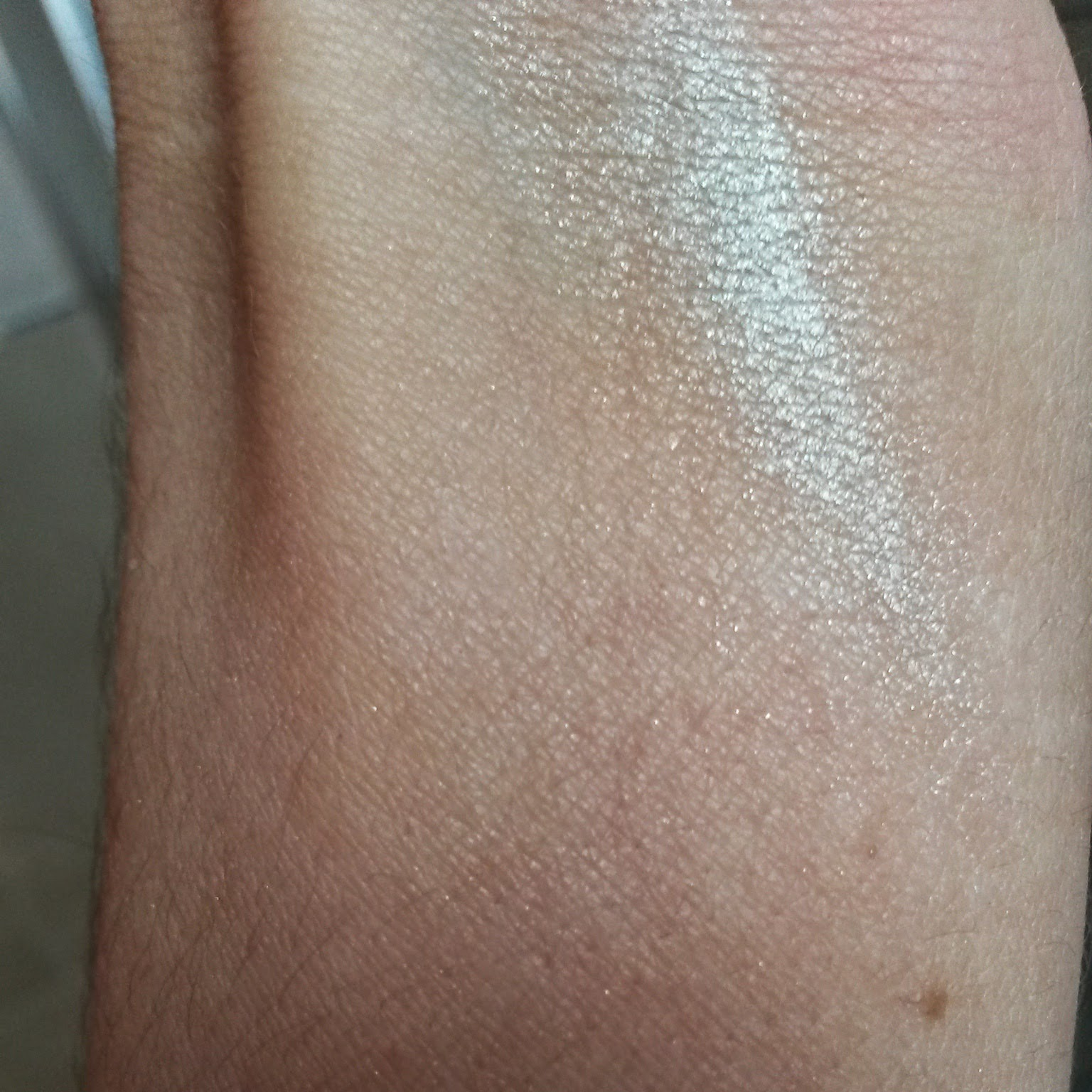 Max Factor Excess Shimmer Eyeshadow Pearl Swatch