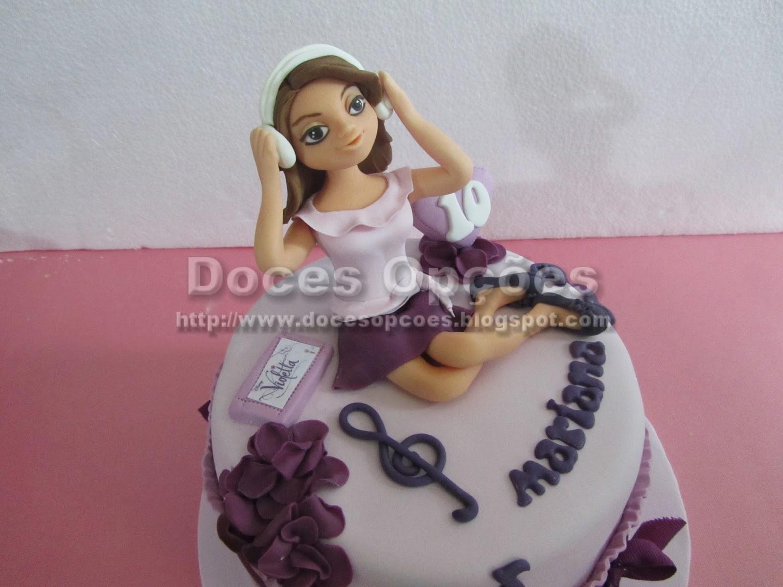 bolo aniversário Violetta