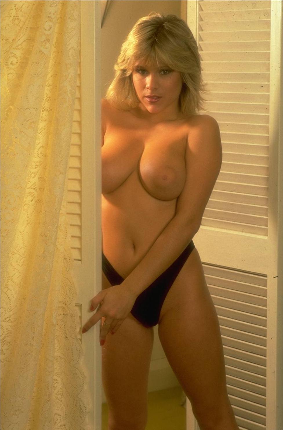 http://1.bp.blogspot.com/-xPe_zvYKOn4/T4undjuRCDI/AAAAAAAADzM/hiqC4n2QMjQ/s1600/Samantha+Fox78.jpg