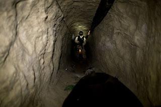 Un túnel para traficar droga de México a EU es descubierto en Tijuana
