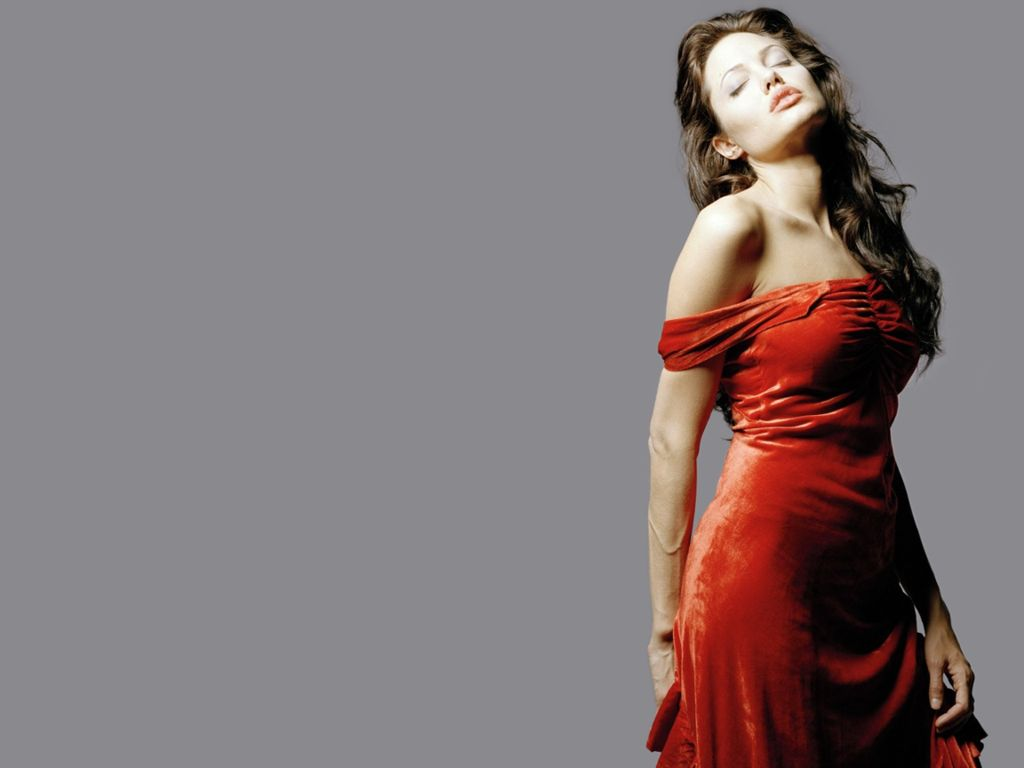 http://1.bp.blogspot.com/-xQFUcoNfRmI/TcqtxnfyQHI/AAAAAAAAECU/dU5J71lzxYk/s1600/Angelina-Jolie-100.JPG