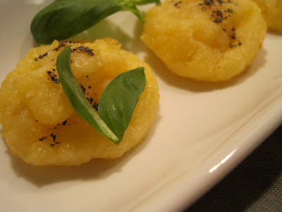 Pao de Queijo ( Brazilian Cheese Puffs)