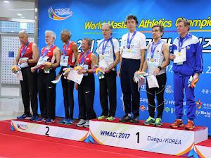 Suomen M70 4x200 metrin joukkue kukisti USA:n; kuvan om. Eero Väyrynen