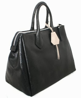 http://www.glittio.ro/accesorii/genti/geanta-piele-gianni-chiarini-art-1390-negru