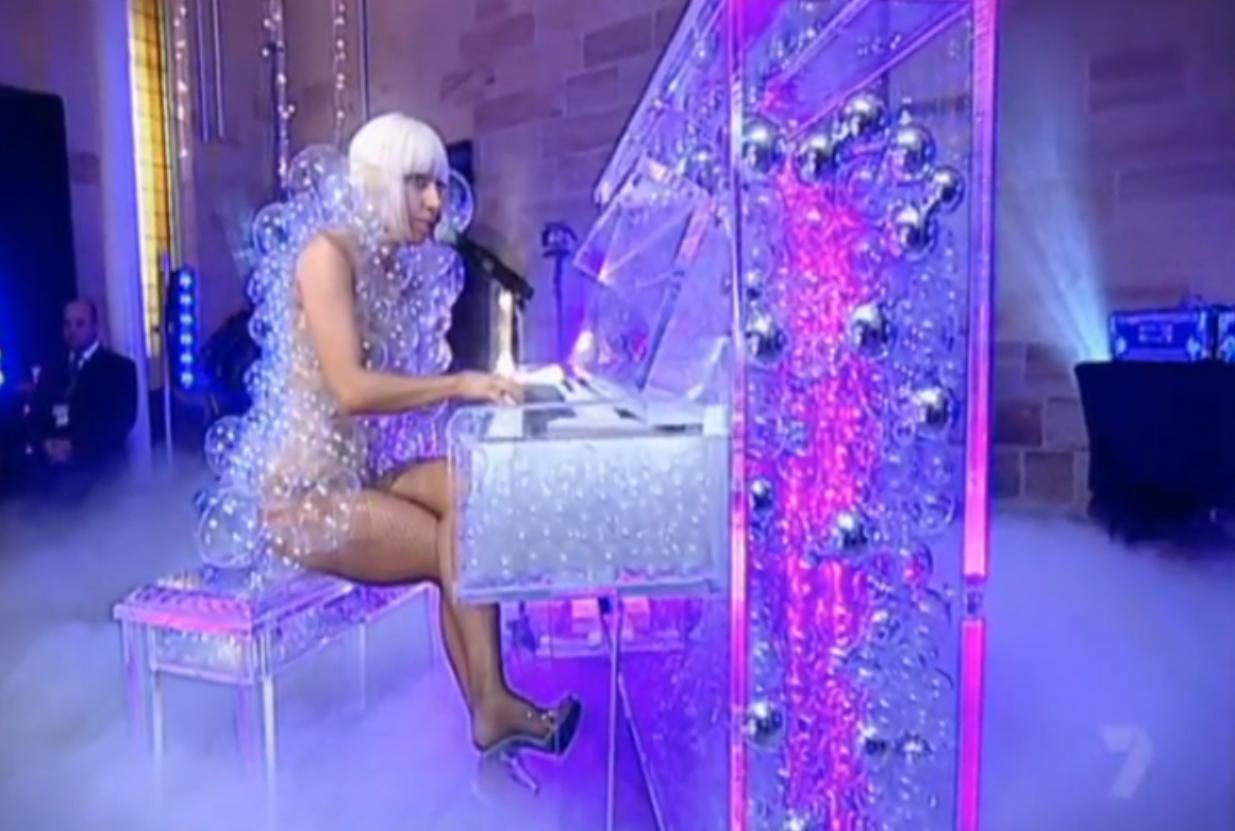 http://1.bp.blogspot.com/-xQTtV8OT_0w/TirR48gwXAI/AAAAAAAABG8/LicZk6Rm5DY/s1600/Lady+Gaga+Live+at+Chapel+Australia%252C+Paparazzi%252C+Acousic%252C+bubbles%252C+bubble%252C+kid%252C+kids%252C+play%252C+piano%252C+fan%252C+concert%252C+sexy%252C+sex%252C+UFO%252C+sighting%252C+Jack+Black%252C+Angelina+Jolie%252C+Michael+Jackson%252C+Beatles%252C+Mickey+Mouse6.png