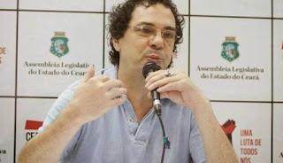 Casagrande sofre infarto e é internado em São Paulo