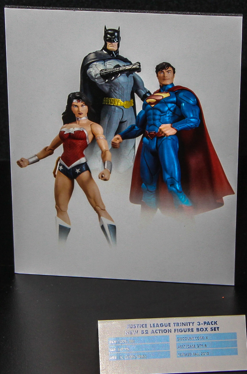 Superman vs darkseid statue