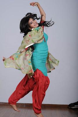 Samantha Cute n Bubbly Pics