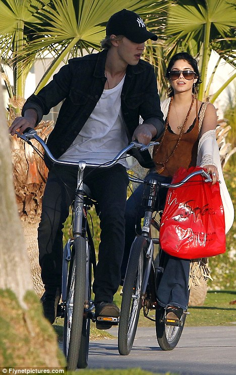 vanessa hudgens and austin butler