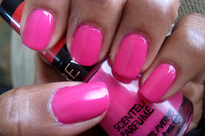 Manicure Mondays – Bubble Gum