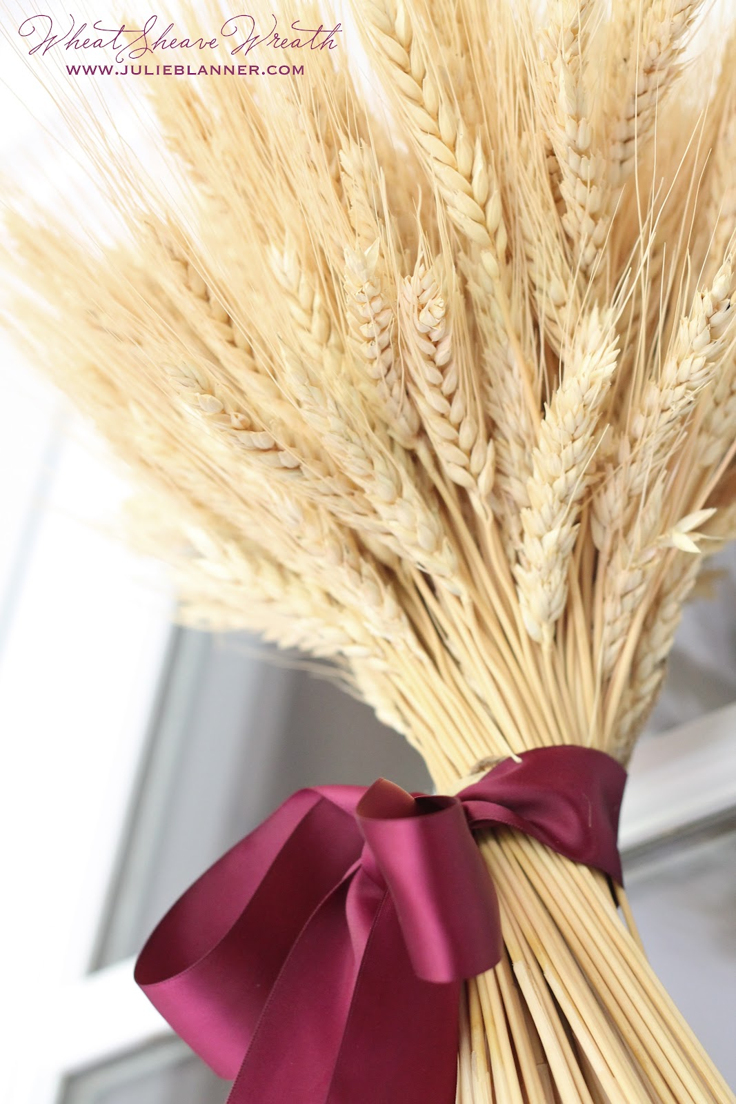 Diy Wheat Sheaf Centerpiece For Thanksgiving
