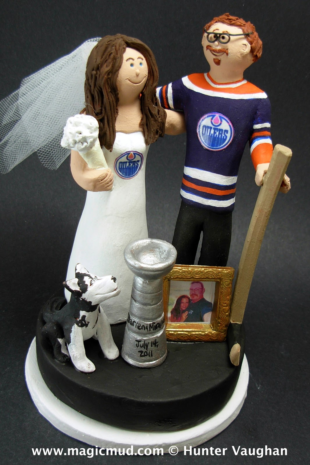 custom wedding cake toppers: VIDEO - Hockey Fan's Wedding ...