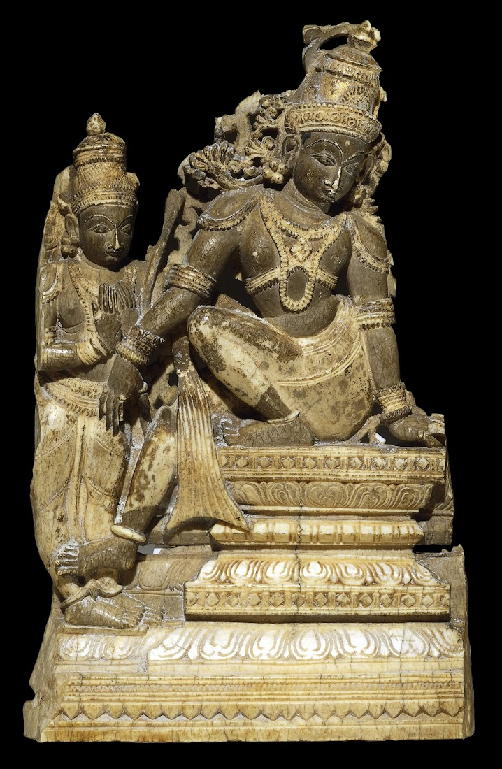 Ivory plaque showing Rama and Laksmana - India 16th-17th Century