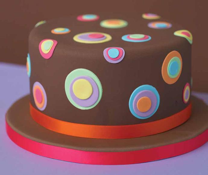Karin 39 s taarten magazine taarten decoreren for Taart en decoratie