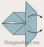 Bước 5: Gấp hai cạnh giấy vào trong.