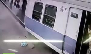 CCTV Footage: Moment when train derails in Mumbai