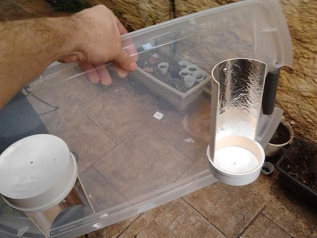 Fixação dos refletores na tampa do organizador