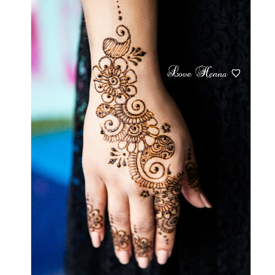 Love Henna Mehndi Designs One Hand Mehndi Designs Styles99