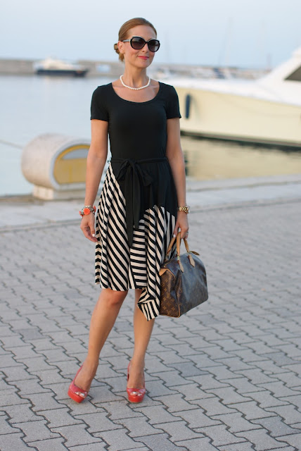 summer outfits, black and white striped dress, DKNY, coral heels, Louis Vuitton Speedy 30 bag, Fashion and Cookies