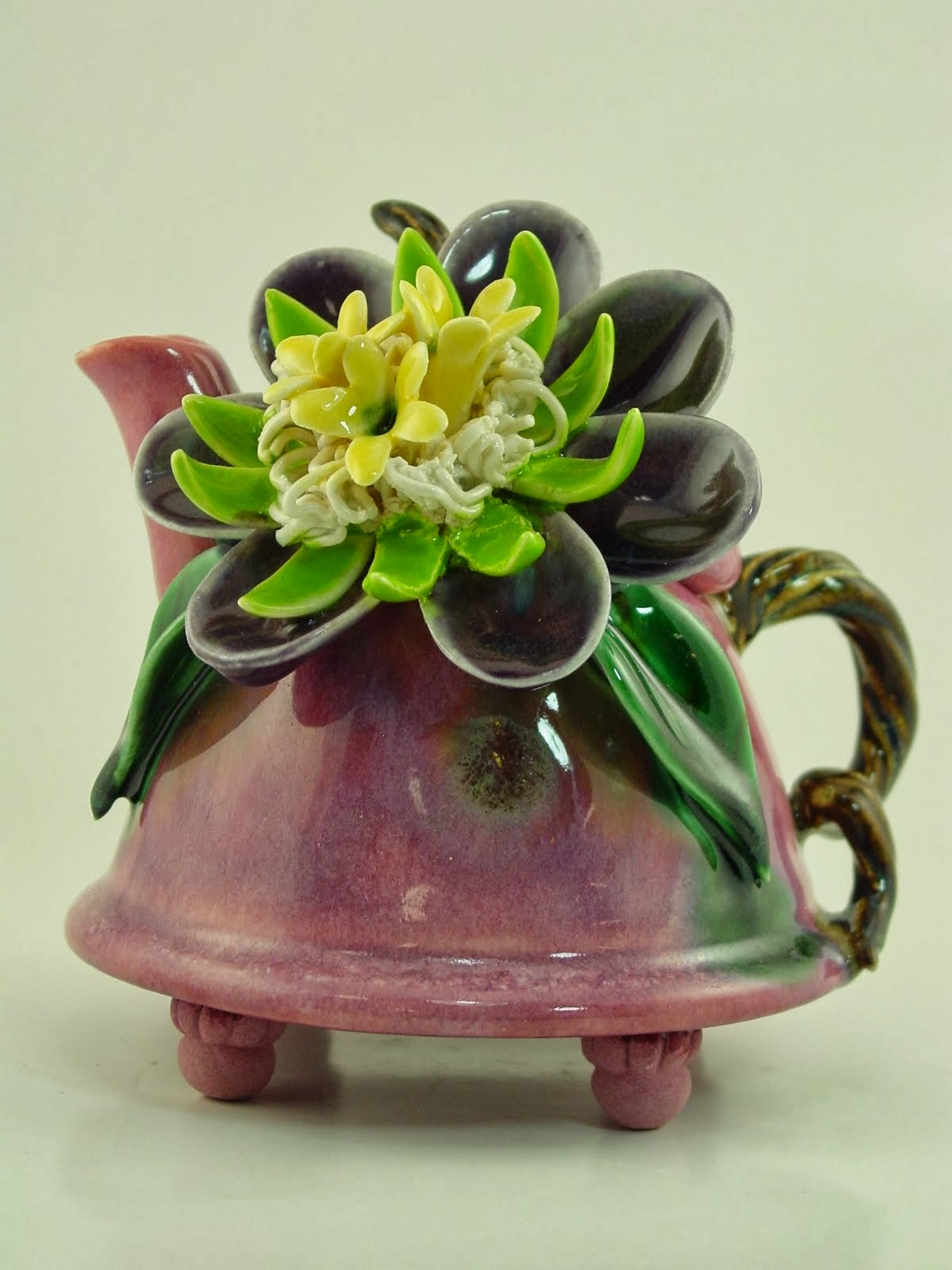 Fantasy Flower on my favorite Pink Glaze