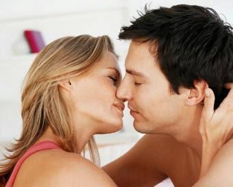 5 Kesalahan Saat Berciuman yang Bisa Hilangkan Gairah Bercinta