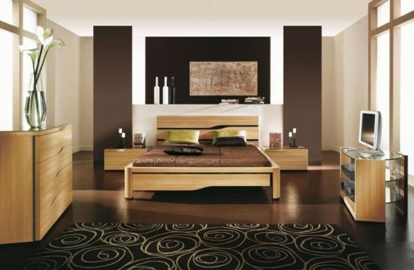 muebles claros, madera limpia y suelo marrón oscuro para resaltar los